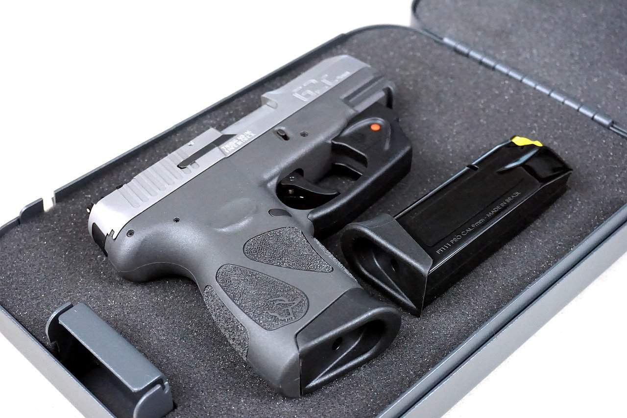 The Difference Between Centerfire and Rimfire Pistols