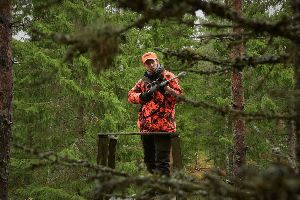 Hunting Isn't All Good or All Bad The Pros and Cons of Hunting (1)